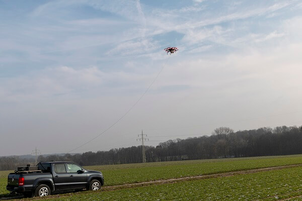 insensiv PodCopter kabelgebundene Drohne